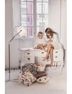 Lámpara de Pie para el salón de estilo nordico de mantra 4920 Blanco y madera barata | LeonLeds Iluminación