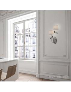 Aplique cromado con pantallas blancas en pared Blanca | Aplique de interior de la serie Andrea de Mantra | LeonLeds Iluminación