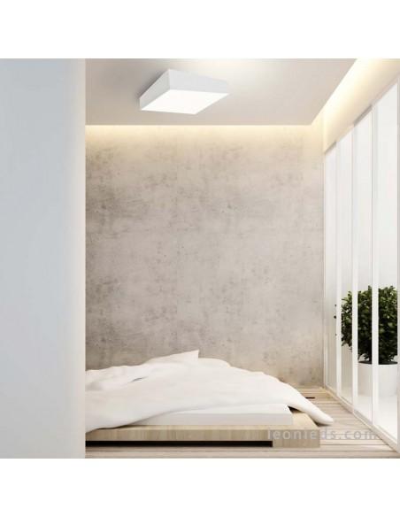 Plafón cuadrado blanco de la serie Mini de mantra 60x60 | Plafón moderno asimétrico cuadrado | LeonLeds Iluminación