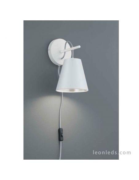 Aplique de pared interior blanco y plateado de la serie Andreus marca Trio Lighting | LeonLeds Iluminación