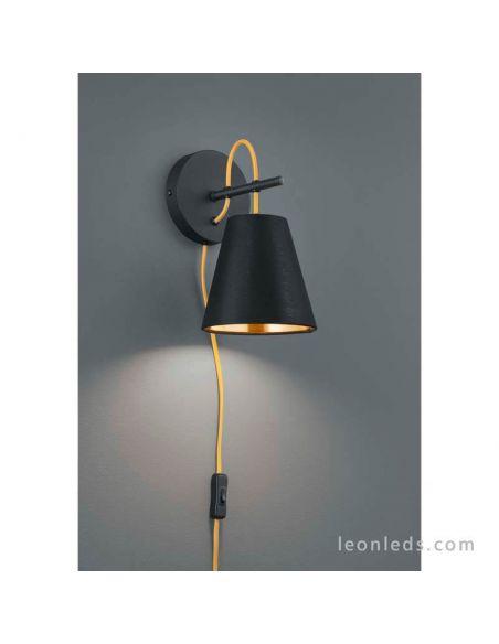Aplique de pared para dormitorios modernos blanco de la serie Andreus marca Trio Lighting | LeonLeds Iluminación