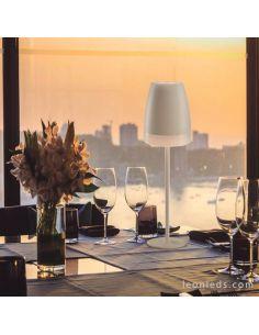 Lámpara de mesa LED exterior portatil Blanca K3 7116 Mantra | LeonLeds Iluminación