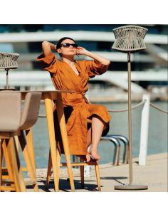 Lámpara de pie exterior de diseño Beige Oscuro Polinesia Mantra Outdoor Santiago Sevillano | LeonLeds